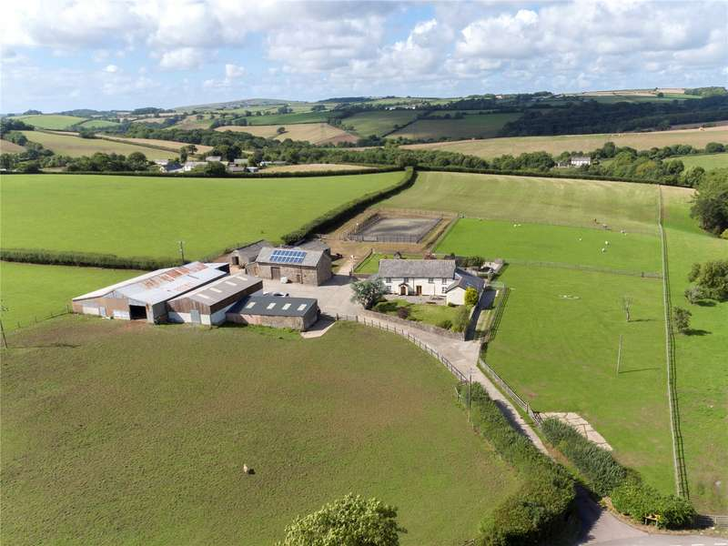 5 Bedrooms Detached House for sale in Moor Farm, Umberleigh, Devon, EX37