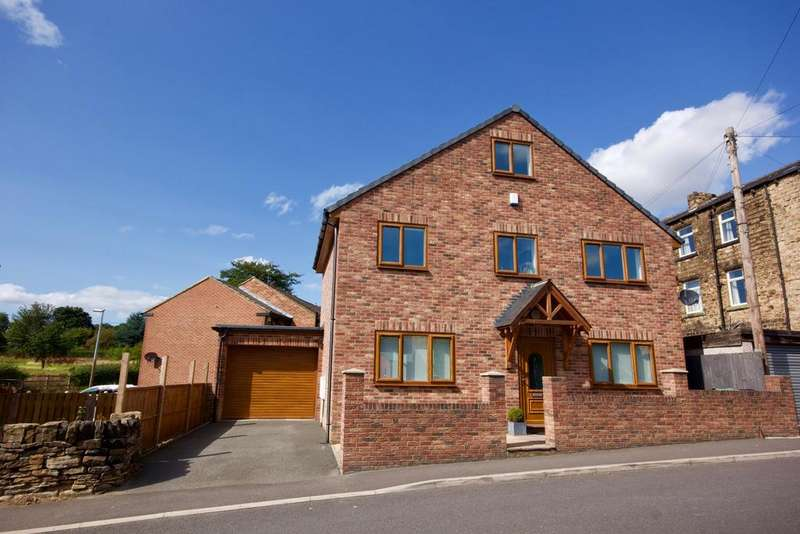 4 Bedrooms Detached House for sale in Camm Lane, Mirfield, WF14 9JQ