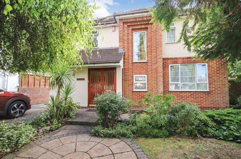 3 Bedrooms Detached House for sale in Cadewell Park Road, Torquay