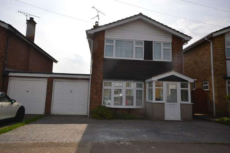 3 Bedrooms Detached House for sale in Gordon Road, Corringham, SS17