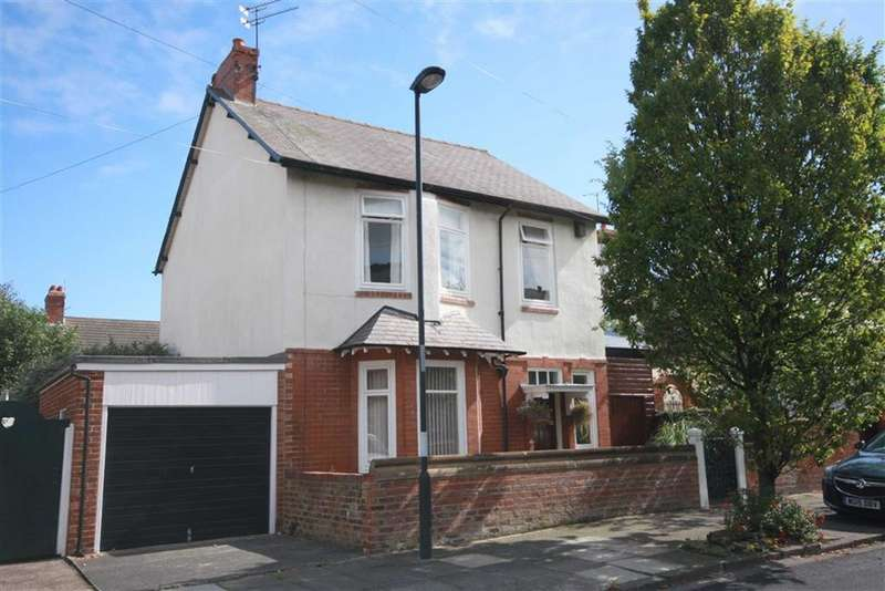 4 Bedrooms Detached House for sale in Bideford Gardens, Whitley Bay, NE26