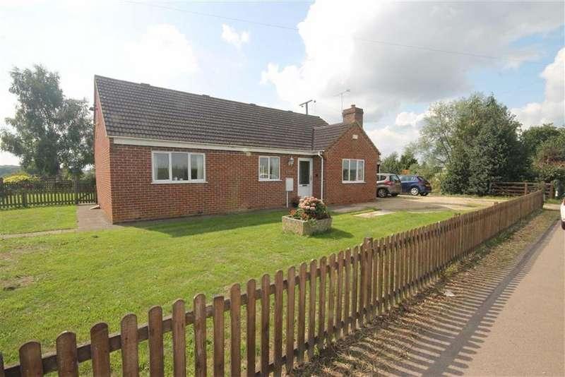 2 Bedrooms Detached Bungalow for sale in Minsterworth, Gloucester