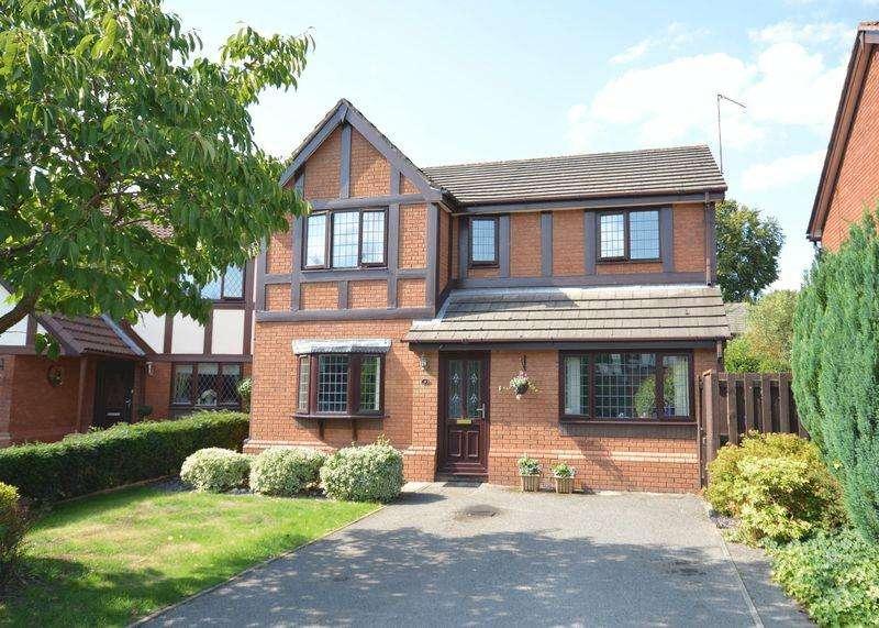 4 Bedrooms Detached House for sale in Herons Way, Sandymoor, Cheshire