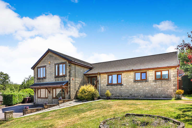 5 Bedrooms Detached House for sale in Stirling Court, Briercliffe, Burnley, BB10