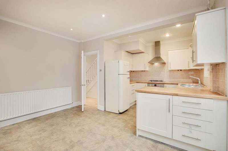 4 Bedrooms Terraced House for sale in Waldron Road, London SW18