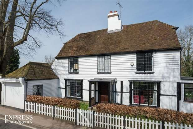 6 Bedrooms Detached House for sale in Lower Road, East Farleigh, Maidstone, Kent