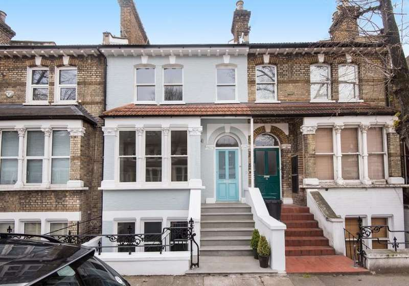 5 Bedrooms Terraced House for rent in Linden Gardens, Chiswick W4