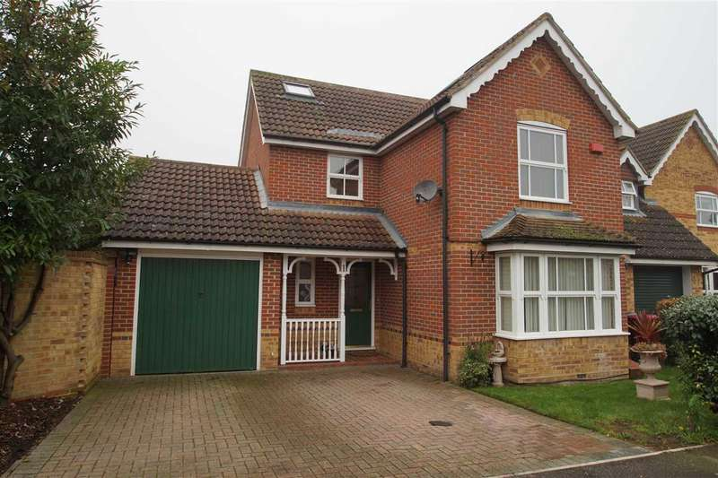 4 Bedrooms Detached House for sale in Lilley Way, Cippenham, Slough