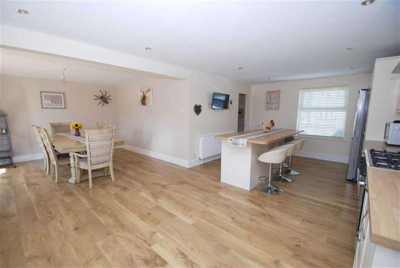 4 Bedrooms Detached House for sale in Hansard Way, Kirton, Boston