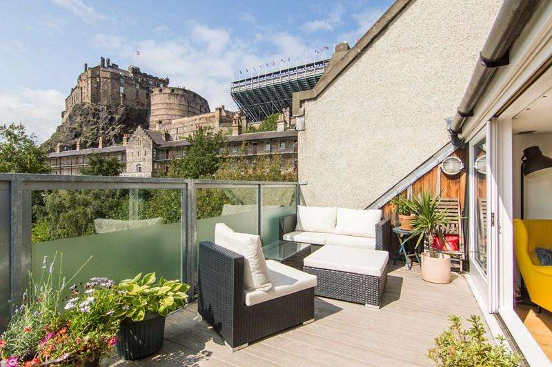 3 Bedrooms Property for sale in 5/9 Castle Wynd South, Edinburgh, EH1 2JT