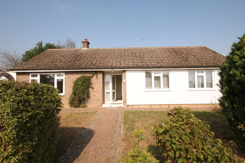 3 Bedrooms Bungalow for sale in Conway Crescent, Brickhill, MK41