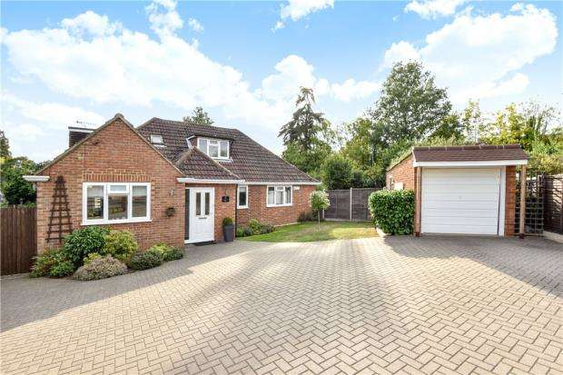5 Bedrooms Detached House for sale in Rectory Close, Little Sandhurst, Berkshire
