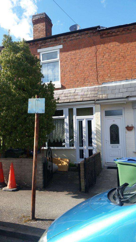 2 Bedrooms Terraced House for sale in Anderson Road , Bearwood, Smethwick B66 4BJ