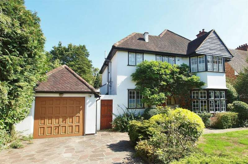 4 Bedrooms Detached House for sale in Manor Way, Beckenham, Kent