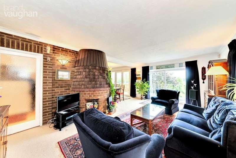 4 Bedrooms Detached House for sale in Surrenden Crescent, Brighton, BN1