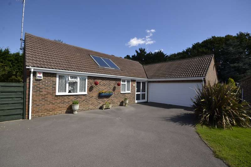 3 Bedrooms Detached Bungalow for sale in Osbern Close, Bexhill On Sea, TN39