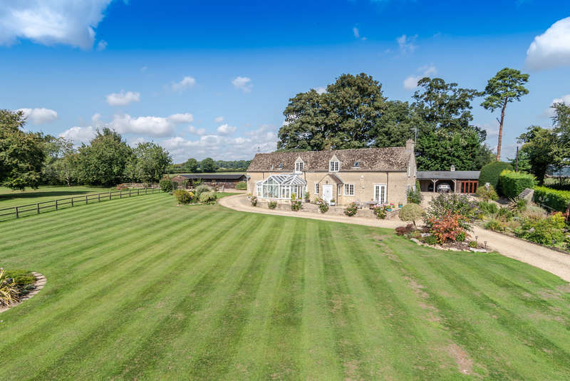 5 Bedrooms Detached House for sale in Westonbirt, Tetbury