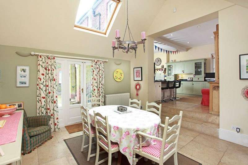 6 Bedrooms Detached House for sale in Haxted Road, Nr. Lingfield, Surrey, RH7