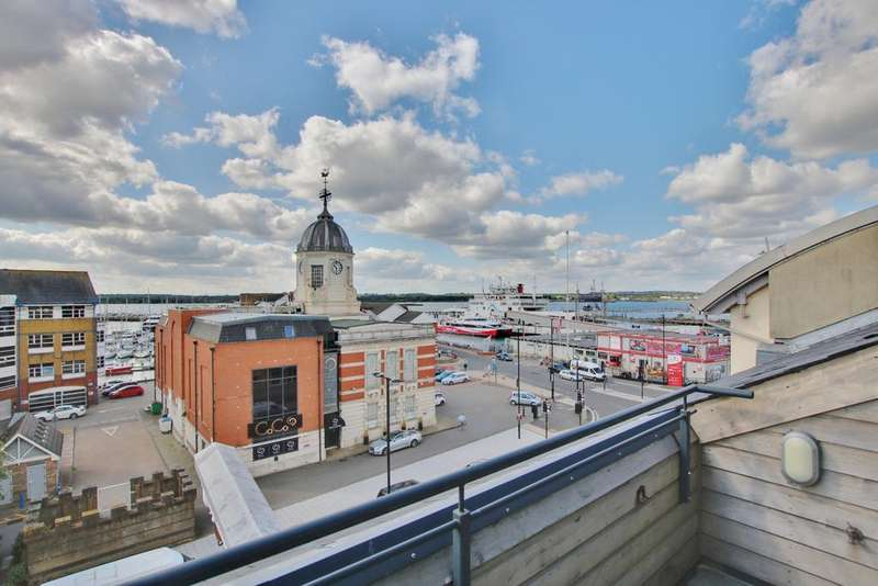 3 Bedrooms Penthouse Flat for sale in Town Quay, Southampton