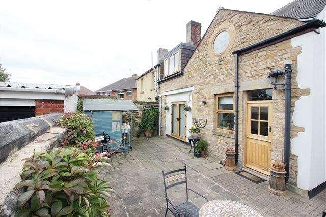 3 Bedrooms Semi Detached House for sale in Sundown Road, Handsworth, Sheffield, S13 8UD