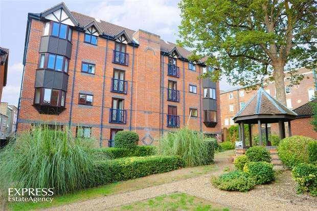 2 Bedrooms Flat for sale in Talbot Court, Reading, Berkshire