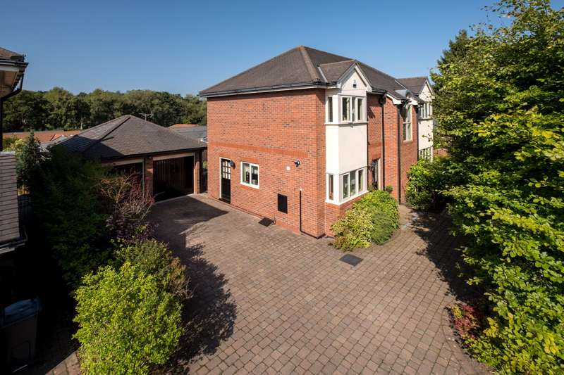 4 Bedrooms House for sale in 4 bedroom House Detached in Norley