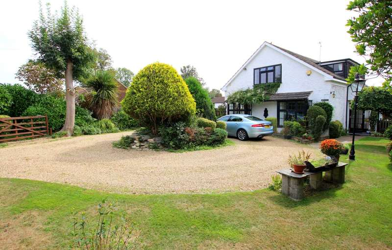 4 Bedrooms Detached House for sale in OVER 2000 Sq Ft CHARACTER HOME - DOUBLE GARAGE, HP2