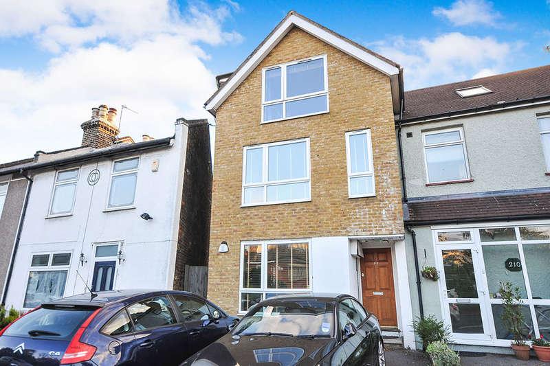 1 Bedroom Flat for sale in Burnt Ash Hill, London, SE12