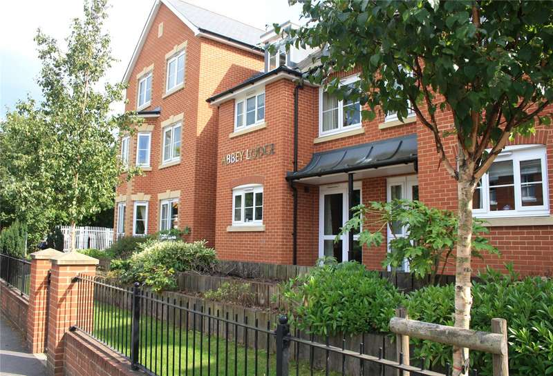 2 Bedrooms Flat for sale in Abbey Lodge, Bridge Road, Romsey, Hampshire, SO51