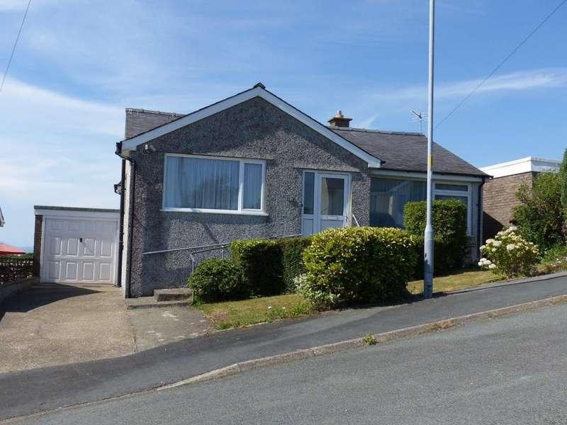 3 Bedrooms Bungalow for sale in 57 Bro Enddwyn, Dyffryn Ardudwy, LL44 2BG