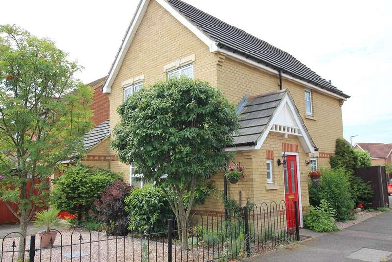 3 Bedrooms Detached House for sale in Tithe Farm Close, Langford, SG18
