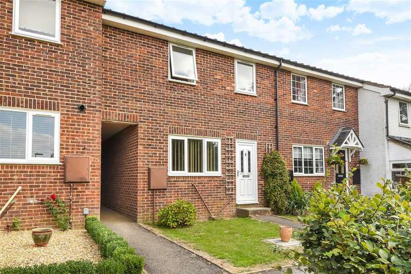 3 Bedrooms Terraced House for sale in Wetherby Gardens, Charlton, Andover