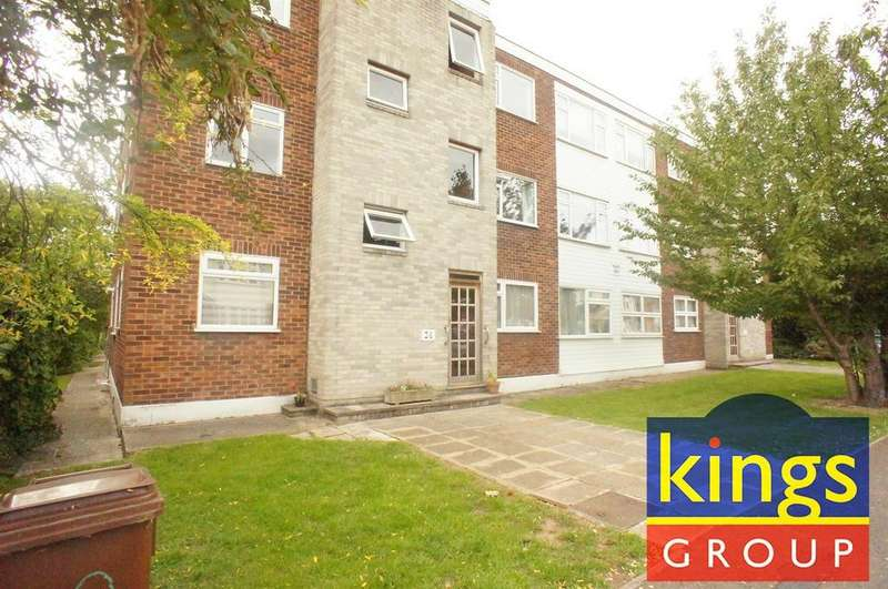 2 Bedrooms Flat for sale in Heathcote Grove, London