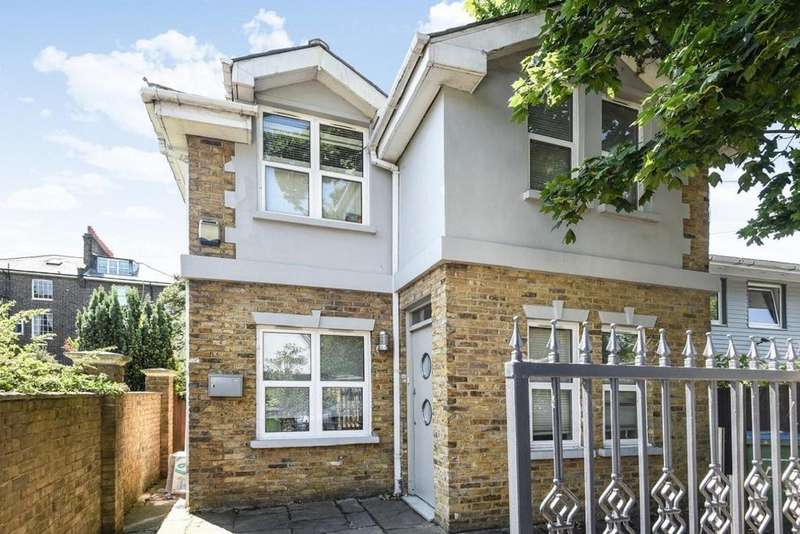 4 Bedrooms Detached House for sale in Langton Way, Blackheath