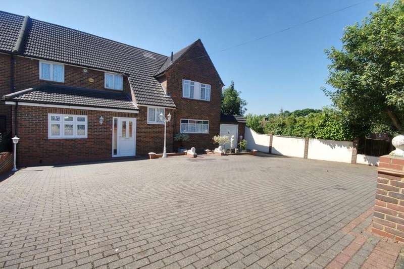 5 Bedrooms House for sale in Priory Road, Romford