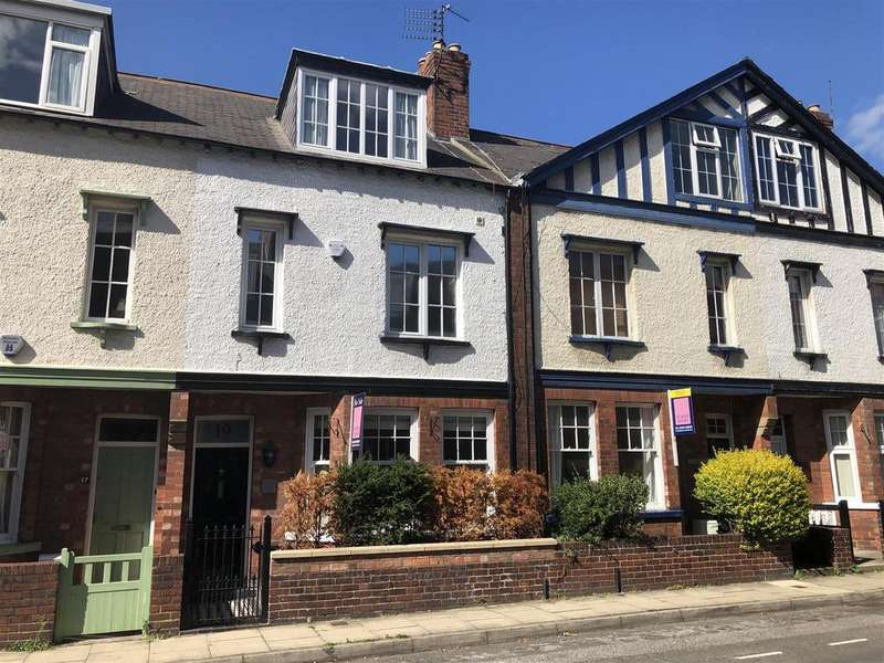 4 Bedrooms Terraced House for sale in Queen Annes Road, Bootham ,York, YO30 7AA
