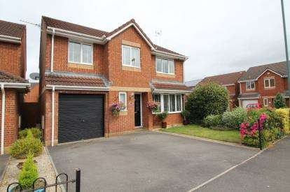 5 Bedrooms Detached House for sale in Guest Avenue, Emersons Green, Bristol