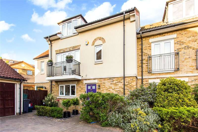 4 Bedrooms Semi Detached House for sale in Bedford Close, London, W4