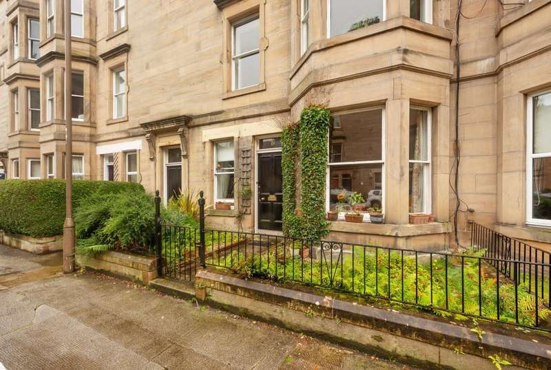 2 Bedrooms Flat for sale in 19 Darnell Road, Trinity, EH5 3PQ