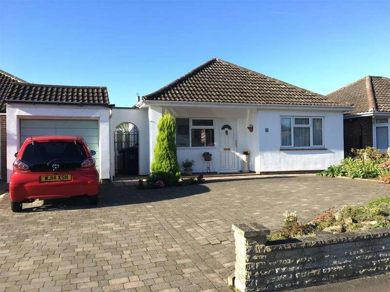 2 Bedrooms Detached Bungalow for sale in Hawthorn Close, Hitchin, SG5