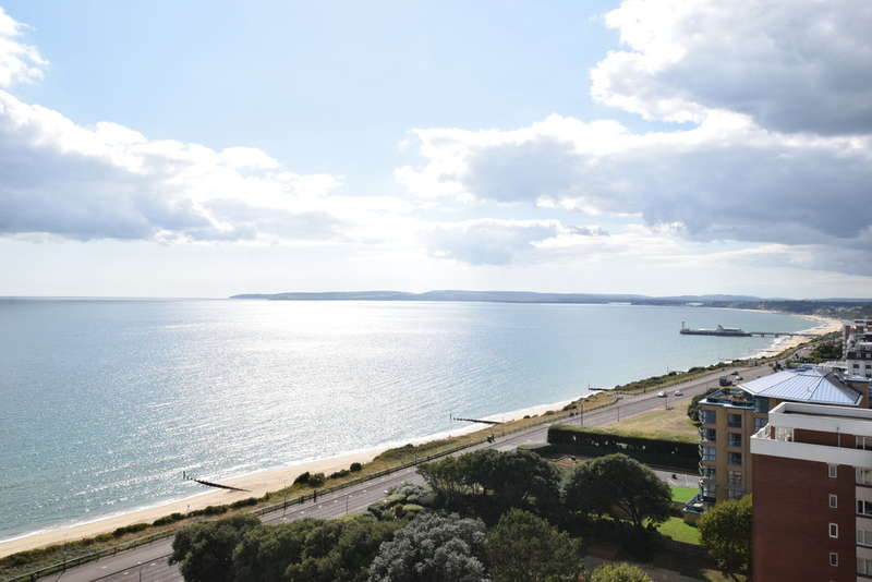 3 Bedrooms Flat for sale in Albany, Manor Road East Cliff, Bournemouth