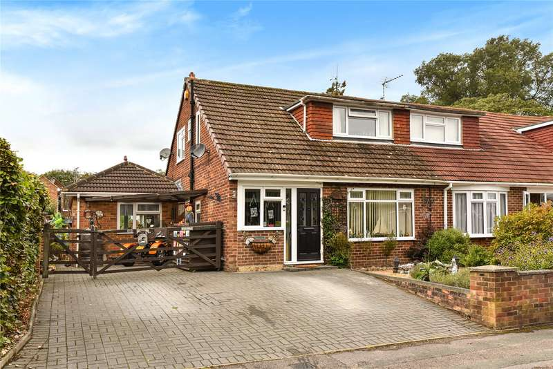 3 Bedrooms Semi Detached House for sale in Frogmore Park Drive, Blackwater, Camberley, Hampshire, GU17