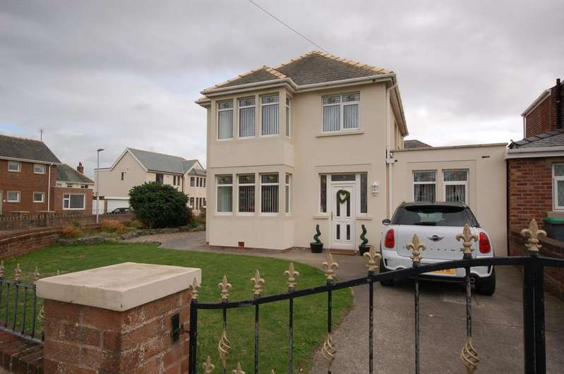 4 Bedrooms Detached House for sale in 8 Crichton Place