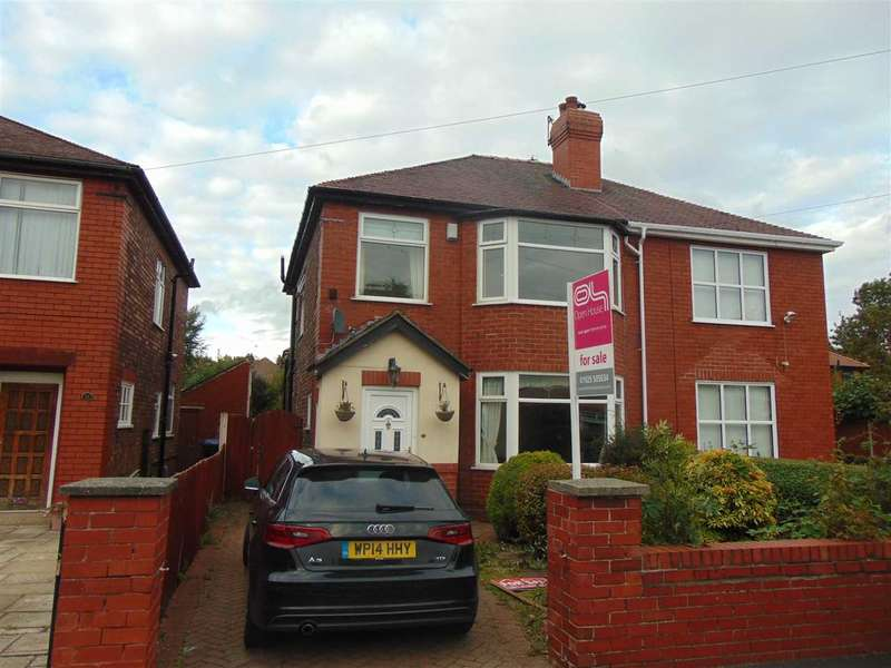 3 Bedrooms Semi Detached House for sale in Hall Avenue, WIDNES