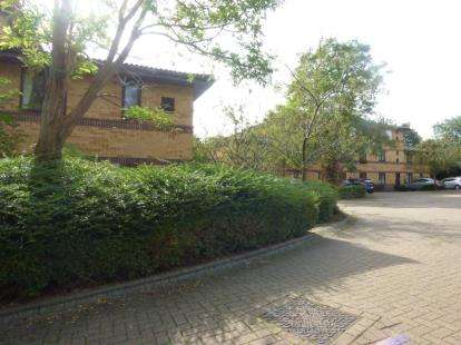 1 Bedroom Flat for sale in Mayer Gardens, Shenley Lodge, Milton Keynes, Bucks