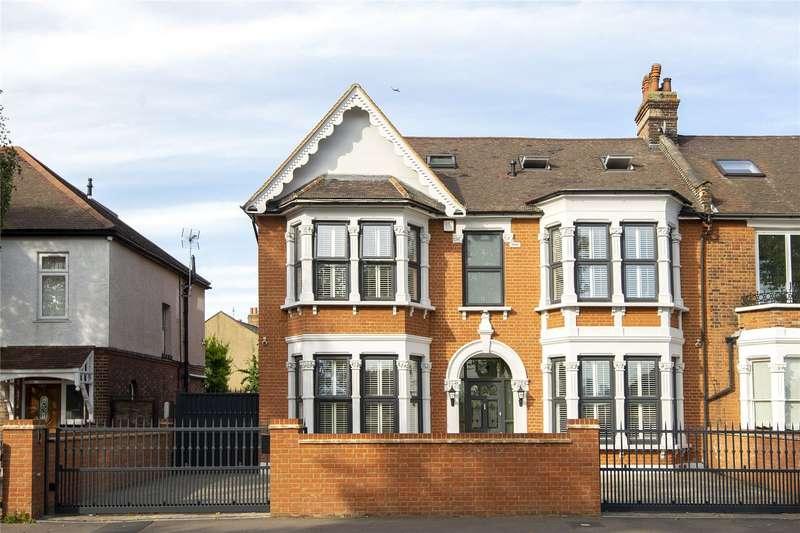 5 Bedrooms Semi Detached House for sale in Aldersbrook Road, London, E12
