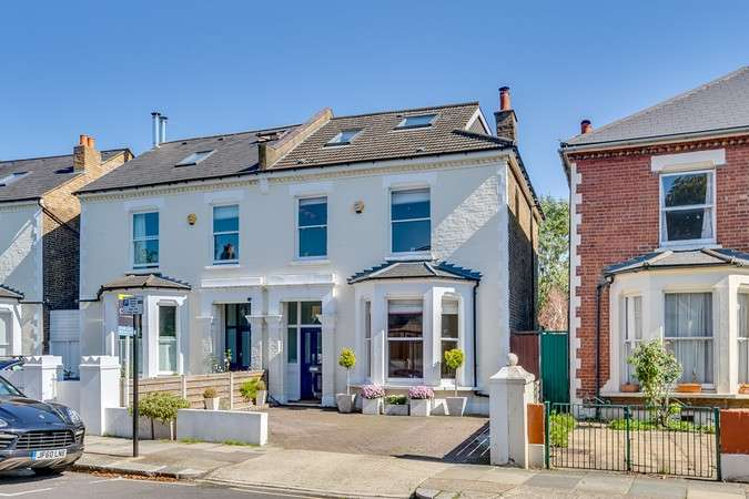 4 Bedrooms Semi Detached House for sale in Heathfield Gardens, Chiswick