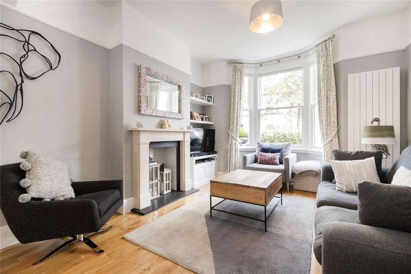 4 Bedrooms Terraced House for sale in Roding Road, London, E5