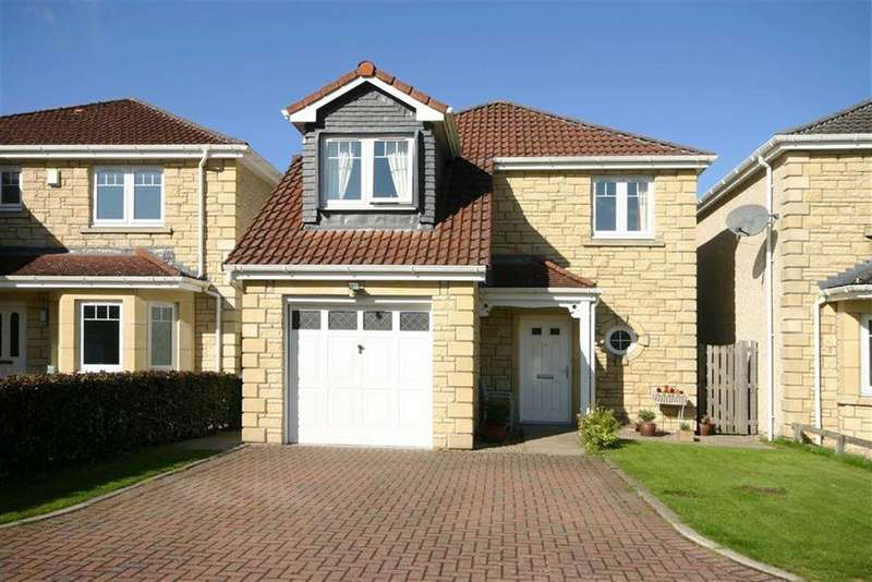 4 Bedrooms Detached House for sale in 33, Walter Lumsden Court, Freuchie, Fife, KY15