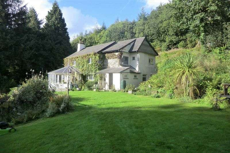 4 Bedrooms Property for sale in Okehampton, Devon